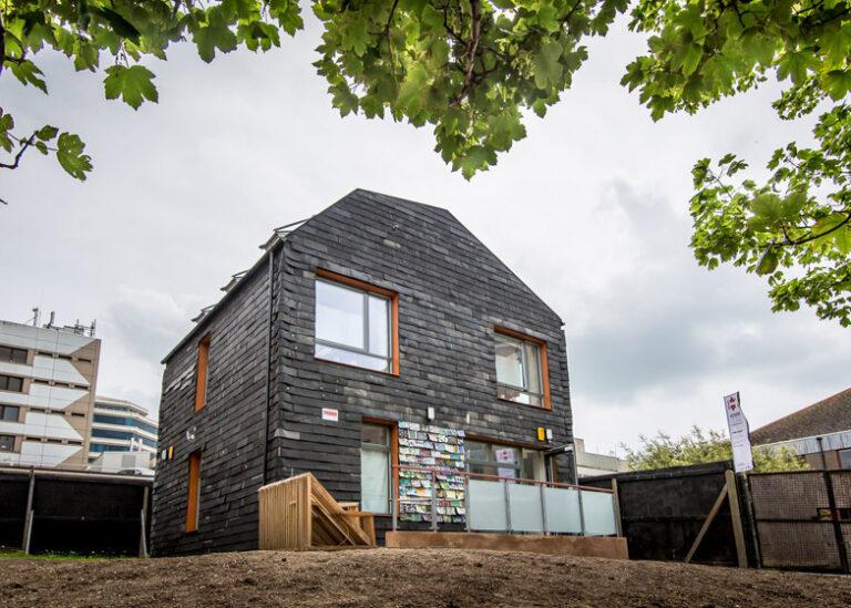 Brighton Waste House by BBM Architects dezeen 784 20